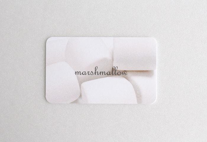 マシュマロCoCの手触りを活かしたカード。
